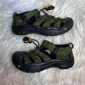 Keen Newport outdoor sandals green